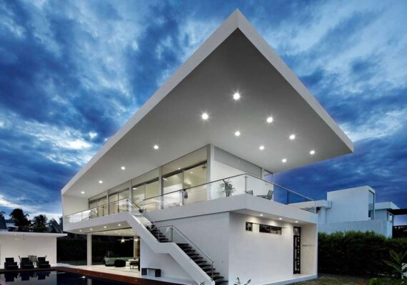 Dazzling Retreat Resort with the roof
